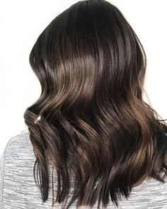 briana lutz, bsc nd on p o l i s h макияж, причес Brown Hair Shades, Brown Hair Colors, Hair Inspo, Hair Inspiration, Natural Hair Styles, Short Hair Styles, Hair Color Balayage, Haircolor, Dream Hair
