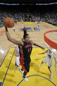 OAKLAND, CA - MARCH 4: Rudy Gay #22 of the Toronto Raptors dunks against the Golden State Warriors on March 4, 2013 at Oracle Arena in Oakland, California.