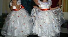 Dois vestidos de daminhas (damas honra) casamento