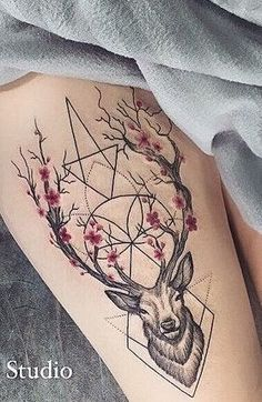 Tattoo Deer in a triangle is a common tattoo among young people. Many are attracted by the combination of a noble animal and geometry. Stag Tattoo, Raven Tattoo, Skull Tattoos, Fox Tattoos, Tattoo Ink, Animal Tattoos For Women, Arm Tattoos For Women, Pretty Tattoos, Cute Tattoos