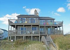 Gorgeous oceanfront Nags Head rental that is also pet friendly! Come stay in Atlantic Horizons