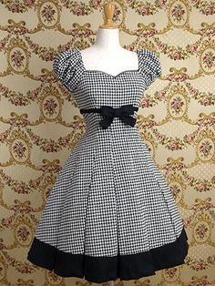 I have been considering using some houndstooth fabric for a similar dress, looks good so will go ahead. Mary Magdalene / One Piece / Cordelia Puff Sleeved OP Vestidos Vintage, Vintage Dresses, Vintage Outfits, Vintage Fashion, Pretty Outfits, Pretty Dresses, Beautiful Dresses, Cute Outfits, Moda Lolita