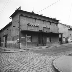 Ilyen is volt Budapest - évek, Zrínyi utca (Pesterzsébet), Bocskai Mozi Budapest Hungary, Old Buildings, Marvel, Architecture, House Styles, City, Outdoor Decor, Photography, Utca