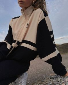 Sporty Outfits, Mode Outfits, Retro Outfits, Cute Casual Outfits, Fashion Outfits, Travel Outfits, Simple Outfits, Simple Dresses, Look Fashion