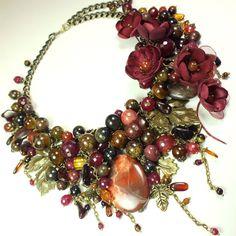 Купить Янтарь Бордовой Долины. Колье, цветы - бордовый, ягодный, янтарь, яшма, агат