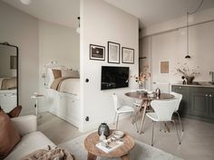New York Studio Apartment, Tiny Studio Apartments, Old Apartments, Studio Apartment Decorating, Studio Apartment Kitchen, Design Scandinavian, Scandinavian Apartment, Olive Green Kitchen, Studio Decor