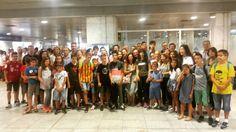 No los echéis mucho de menos! Los padres de #carlingford en el aeropuerto de #Barcelona#WeLoveBS #Idiomas #Inglés #verano #Cursos #Travel #Language #Summer #Amigos #Friends