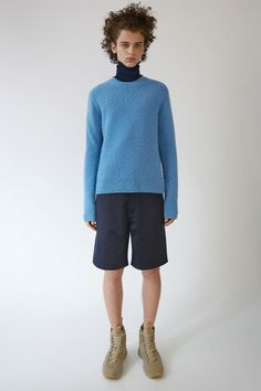 Acne Studios Allan Short Cotton navy are painter fit, straight leg, five pocket shorts inspired by traditional workwear.