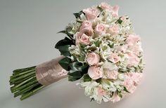 Flowers wedding bouquet vintage bridesmaid 17 new ideas Small Wedding Bouquets, Bride Bouquets, Bridal Flowers, Flower Bouquet Wedding, Rose Wedding, Bridesmaid Bouquet, Floral Wedding, Boquet, Large Flower Arrangements