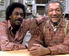 Redd Foxx on the TV sitcom, Sanford & Son. and Lamont Sanford (Demond Wilson). 1970s Tv Shows, Old Tv Shows, Movies And Tv Shows, Vintage Tv, Mode Vintage, Radios, 70s Sitcoms, Tv Theme Songs, Redd Foxx