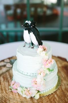 Cute cake: http://www.stylemepretty.com/little-black-book-blog/2015/04/03/rustic-elegant-vine-hill-house-wedding/ | Photography: This Love of Yours - http://thisloveofyours.com/