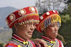 China | Two Lisu women. Yunnan, between Lushui and Baoshan | © Frans Devriese.