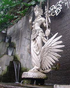 Beautiful Dewi Saraswati's Statue