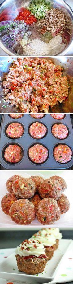 Cupcake de Almôndega | Em um recipiente misture: 1,5 kg de carne moída, 1/2 cenoura picada, 1 cebola picada, 2 dentes de alho picados, 1 col chá de orégano, 1 xíc de farinha de trigo ou rosca, 2 col sopa de mostarda, 3 col de ketchup (opcional), 1 col chá de molho inglês, 1 col chá de azeite de oliva, 2 ovos, sal e pimenta do reino a gosto; Manteiga para untar – Divida e coloque numa forma de cupcakes – Asse em forno médio. Decore com ketchup e purê de batata ou cream cheese.