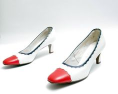 Size 7.5N // Vintage 60s  Red and White by WelcomeHomeVintage