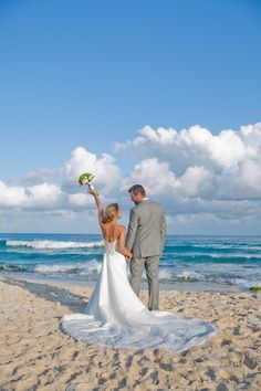 Jessica & Timothy are truly a lovely couple! We adored their story and their vibe, so doing their Riviera Maya wedding photos was a real treat. The WeddingDayStory Family wishes them a great and happy life together!
