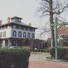 If You Love Spooky Scenarios And Want To Get The Most Boo For Your Buck Reserve A Room At One Of These Bone Chillingly Haunted American Hotels