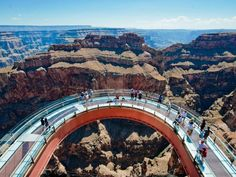 Standing on the edge of the Canyon was terrifying but awesome Las Vegas, Parque Nacional Do Grand Canyon, Places To Travel, Places To See, Places Around The World, Around The Worlds, Grand Canyon West Rim, Visiting The Grand Canyon, Sky Walk