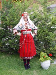 Traditional costume of Neochorouda Pentalofos in Thessaloniki region, Macedonia, Greece Greek Traditional Dress, Traditional Wedding Dresses, Traditional Outfits, Pakistan Bridal, Greek Fashion, Wedding Costumes, Greek Clothing, Folk Costume, Albania