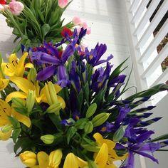 Spring porch at Moss Mountain.  #mossmountainfarm #joy #stargazerbarn #pallensharethebounty #lilies