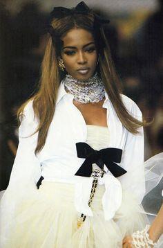 1992 Vintage Runway - Chanel Boutique, Spring