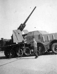 8,8cm Flak 37 Selbstfahrlafette auf 18 ton Zugkraftwagen (Sd.Kfz. 9)