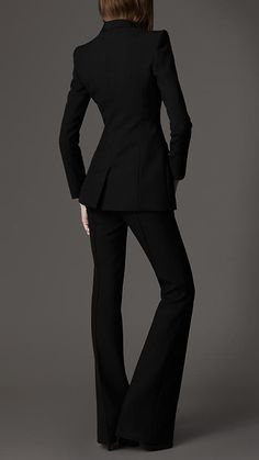 Nov 2011 - HOly cow, that's hot. Business Outfits, Business Attire, Office Outfits, Suits For Women, Women Wear, Burberry Suit, Love Fashion, Womens Fashion, Fashion Design