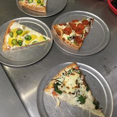 Free extra topping day at the pizza shop! Stop by for lunch! #buylocal #fresh #pizza https://www.instagram.com/p/BWNfiE6FGda/ via http://lazzarispizzasouth.com/36152