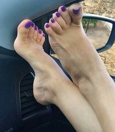 Feet pictures, sexy toes, amazing soles, and much more about feet lovers. For feet fetish lovers only! Nice Toes, Pretty Toes, Feet Soles, Women's Feet, Purple Toes, Purple Nails, Foot Pedicure, Cute Toe Nails, Painted Toes