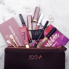 Use a makeup bag such as the Zoeva faux leather zip up one to store your makeup essentials. Skin Makeup, Makeup Brushes, Beauty Makeup, Makeup Set, Makeup Storage, Huda Beauty, Gorgeous Makeup, Pretty Makeup, Makeup Goals