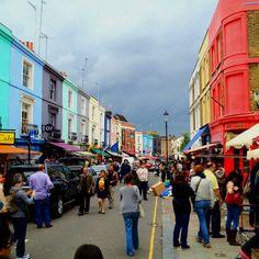 Mercadillo de Portobello street. Londres. Puedes encontrar de todo, antigüedades, muebles, ropa, joyas, comida...