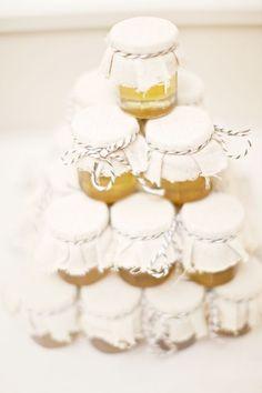 Foto 6 de 9 Tarritos de miel de abejas para regalar a tus invitados de boda | HISPABODAS
