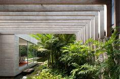 Yucatán House by Isay Weinfeld