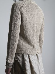 An entry from tenderblue - Knitting Looks Style, My Style, How To Purl Knit, Look Vintage, Sweater Weather, Pulls, Look Fashion, Knit Cardigan, Hand Knitting