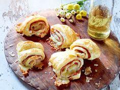 Unser beliebtes Rezept für Schnelle Schinken-Käse-Röllchen und mehr als 55.000 weitere kostenlose Rezepte auf LECKER.de.