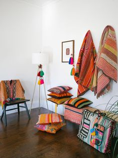 I had no idea i was going to bring home two suitcases filled with peruvian textiles Estilo Navajo, Rectangular Living Rooms, Dyi, Peruvian Textiles, Colorful Pillows, Boho Pillows, Home Decor Inspiration, Design Inspiration, Decor Ideas