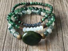 Gemstone bracelet set, Bohemian bracelet, Woman stretch stacking bracelets, green bracelets, Boho beaded bracelets, Woman handmade jewelery door KennlyDesign op Etsy