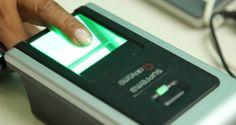 Os cartórios eleitorais de Taubaté passaram nesta quinta-feira (7) a fazer o cadastramento biométric...