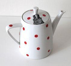 Dapper Owl teapot £32.00