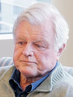 """Edward Moore """"Ted"""" Kennedy (February 22, 1932 – August 25, 2009) was the senior United States Senator from Massachusetts and a member of the Democratic Party. He was the second most senior member of the Senate when he died and was the fourth-longest-serving senator in United States history, having served there for almost 47 years.✮❤✿❤✿❤✿❤✮  http://en.wikipedia.org/wiki/Ted_Kennedy"""