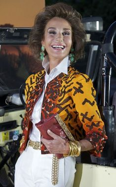 Nati Abascal - Cari Lapique Host 'Nuba New Travel Collection 2011-2012'