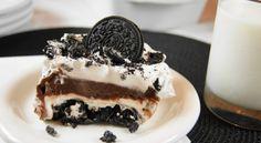 Υπέροχο γλυκό ψυγείου με μπισκότα όρεο και κρέμα σοκολάτας και βανίλιας! |