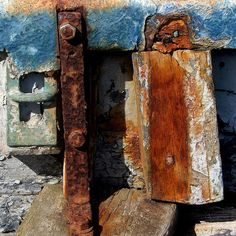...combo of rust and wood..