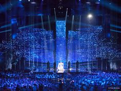 Light flashes, mystic landscapes, spark explosions – the #EurovisionSongContest #stage #design is just as versatile as the songs presented on it. The #stage of the the #ESC 2016 was a perfect example of what is made possible by the combination of video technology, light and projections – and all thanks to #originalplexiglas #plexiglas #evonikplexiglas #acrylic #blue #stars