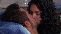 """Ma no podemos estar juntos Sr Pietro, per que""....kiss kiss kiss...You were saying Fiore? #MuchachaItaliana"