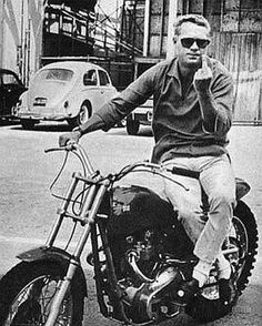 McQueen Monday! ⛽️⚡️ Flipping fingers with style ❤️ #monday #mcqueen #petrocamp