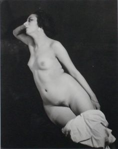 Man Ray, Portrait of Kiki de Montparnasse, 1922