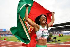 Luso-Angolana Patrícia Mamona conquista o ouro de triplo salto no Campeonato Europeu de Atletismo http://angorussia.com/entretenimento/media/luso-angolana-patricia-mamona-conquista-ouro-triplo-salto-no-campeonato-europeu-atletismo/