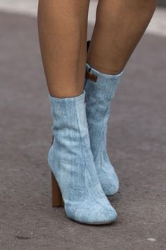 55 Street Style Snaps to Inspire Your Summer Shoe Wardrobe- mod denim ankle boots wtith a chunky heel  | StyleCaster