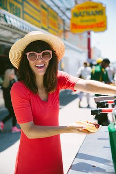 Naomi Davis in Sonnet James Liv Dress Island Outfit, Cute Sunglasses, Wearing A Hat, Coney Island, Hey Girl, Mom Style, Autumn Winter Fashion, Nice Dresses, Cute Outfits
